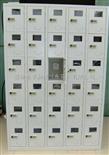 30门手机柜有机玻璃手机柜 带充电手机柜 工厂员工手机存放柜