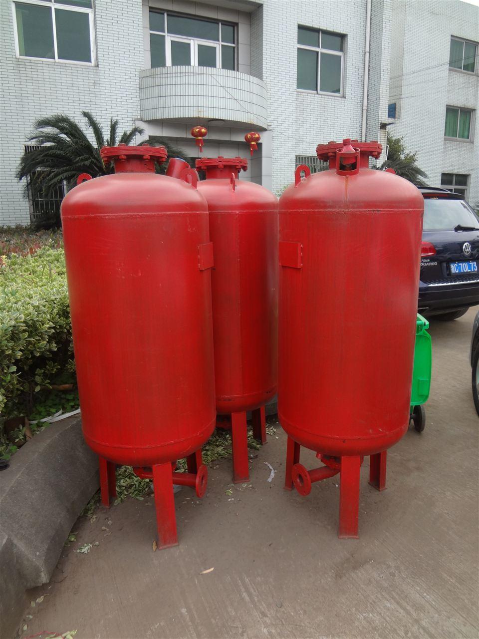 2),消防气压给水设备上的安全阀,压力表,泄水管,水位指示器等的图片